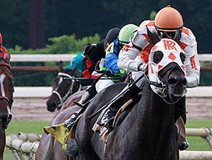 Benwill wins the 2014 Unbridled Stakes.