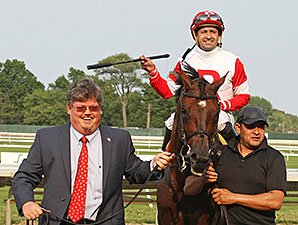 Big Blue Kitten wins the United Nations Stakes.