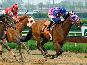 Big Looie wins the 2010 Land of Lincoln Stakes.