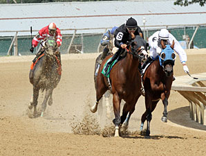 Brooklyn Cowboy wins the 2013 West Virginia Legislature Chairman's Cup Stakes.