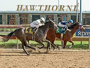 C'Mon Feet wins the 2014 Third Chance Handicap.