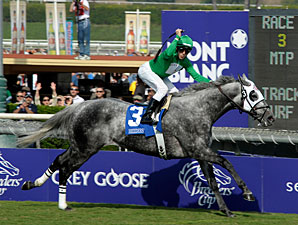 California Flag Flies in the Turf Sprint