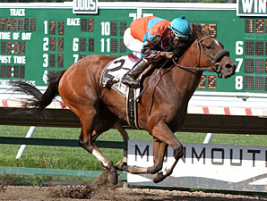 Check Point wins the 2011 Lighthouse Stakes.