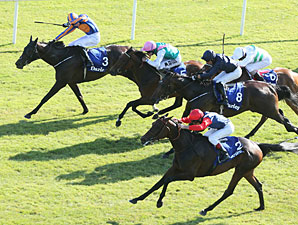 Quirky Chicquita Prevails in Irish Oaks
