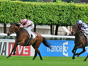 Cirrus Des Aigles wins the Prix Ganay.