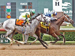 Coyote Legend wins the 2010 Assault Stakes.