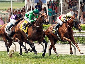 Crucero wins the San Juan Capistrano.