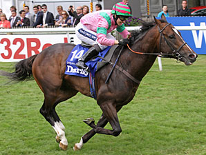 Dream Ahead wins the 2011 Darley July Cup.