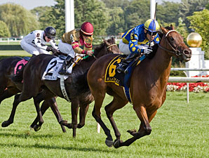 Eclair de Lune Delivers Sweet Beverly D. Win
