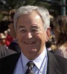 Edmund Gann, Raced Medaglia d'Oro, Dies