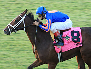 Excited wins the 2011 Virginia Oaks.