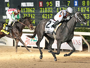Four Gifts Scores in Delta Princess