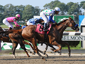 Funny Moon wins the 2009 CCA Oaks.