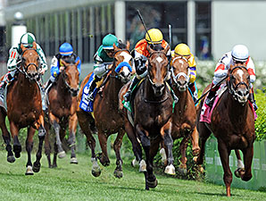 Global View Charges to American Turf Win