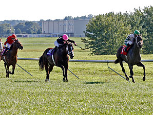 Good Lord wins the Kentucky Downs Turf Sprint.