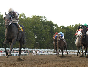 Goombada Guska wins the 2010 Charles J. Hesse, III Handicap.