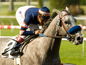 Grazen wins the 2009 Affirmed.