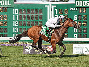 Heart to Heart wins the 2015 Oceanport Stakes.