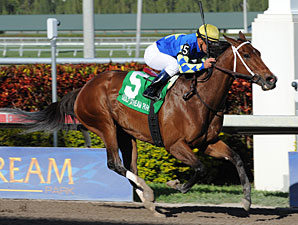 Hilda's Passion Top Choice in Humana Distaff