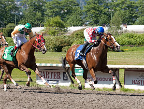 Hollywood Miss wins the Strayberr Morn Stakes.