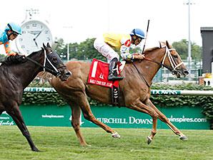 Honey Hues wins the 2014 Early Times Mint Julep