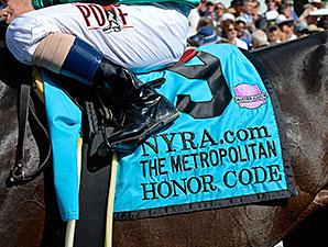 Honor Code wins the 2015 Met Mile.