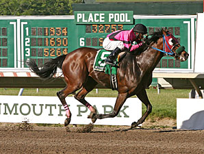 Hop Skip and Away wins the 2013 John J. Reilly Handicap.