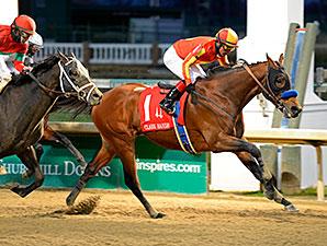 Hoppertunity wins the 2014 Clark Handicap.