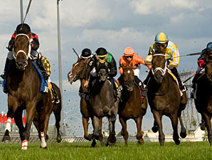I'm Boundtoscore wins the 2012 Summer Stakes.