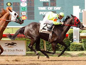 Joy's Paradise wins the 2011 Valor Farm Stakes.