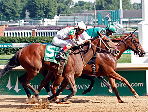 Juvenile Fillies Square Off in Adirondack