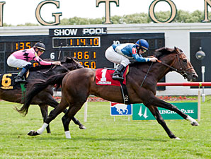 Keep Up wins the 2013 Swoon's Son Stakes