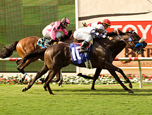 Kilderry (outside) and Rafael Bejarano take the first division of the Oceanside, edging Moral Compass.