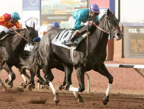 Liberty Bull Rushes to WinStar Derby Win
