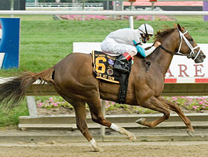 Life at Ten wins the 2010 Delaware Handicap.