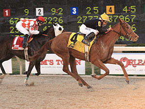 Little Ms Protocol wins the 2011 Louisiana Jewel.