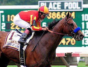 Lookin At Lucky wins the 2010 Haskell.