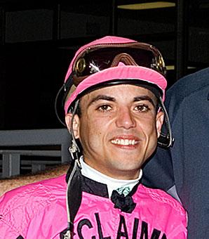 Jockey Luis Garcia Breaks Wrist