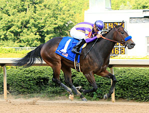 Mamma Kimbo wins the 2012 Fantasy Stakes.