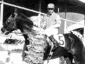 Puerto Rican Jockey Legend Matos Dead at 91