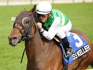 Miss Keller wins the 2010 Canadian Stakes.
