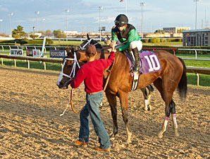 Missjeanlouise wins the 2012 Powerless Handicap.
