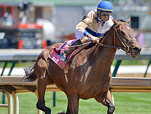 Molly Morgan wins the 2015 La Troienne Stakes.