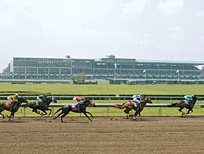 Monmouth Park Opens for Training