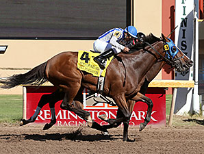 Montana Native wins the Remington Park Oaks.