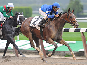 Music Note Flexes Her Pipes in Beldame Win