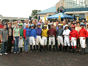 Straight Wins Turfway Exhibition Race