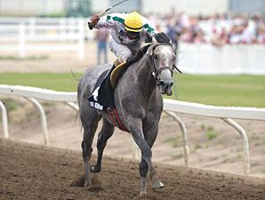 No Hesitation wins the 2010 Canadian Derby.