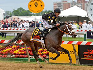 Oxbow Never Looks Back in Preakness Upset