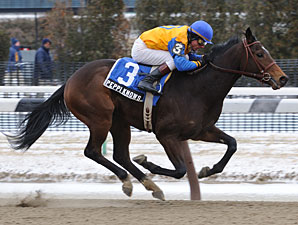 Peppi Knows Wins Troubled Whirlaway Stakes